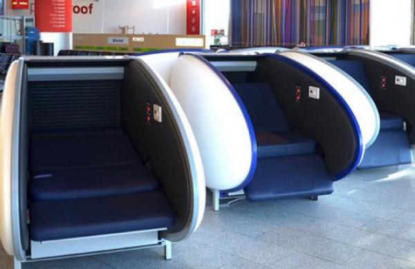 В аэропорту Хельсинки установили капсулы для сна и отдыха